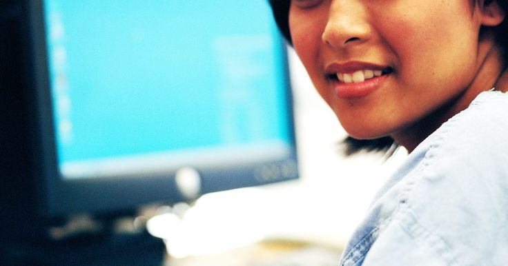 Cómo encontrar los iconos ocultos. Todos los archivos y programas que se encuentran en las computadoras basados en Microsoft Windows se pueden acceder mediante sus iconos. Estos iconos aparecen en el escritorio del usuario o en las carpetas individuales que se encuentran en el equipo. A veces, sin embargo, otros archivos o programas se encuentra en estos mismos lugares, pero sus ...