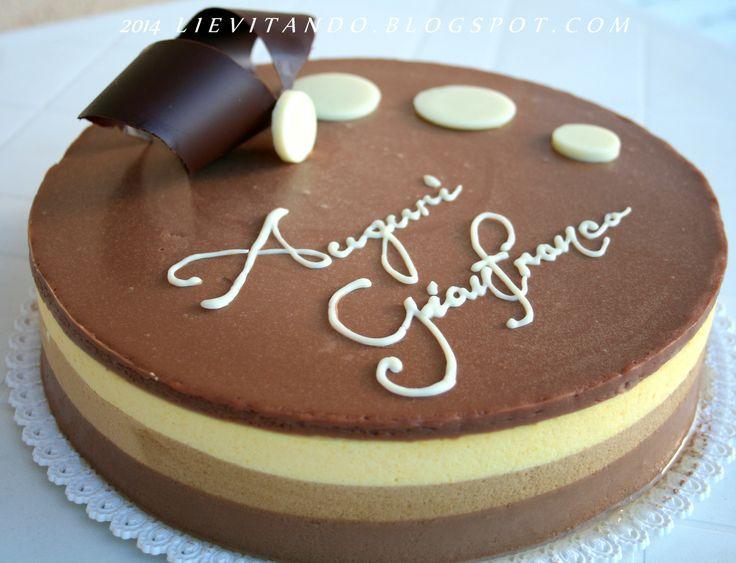 bavarese hai trè cioccolati di luca Montersino per il compleanno mio fratello..!! http://www.peccatidigola.tv/ricette/torta-bavarese-tre-cioccolati/