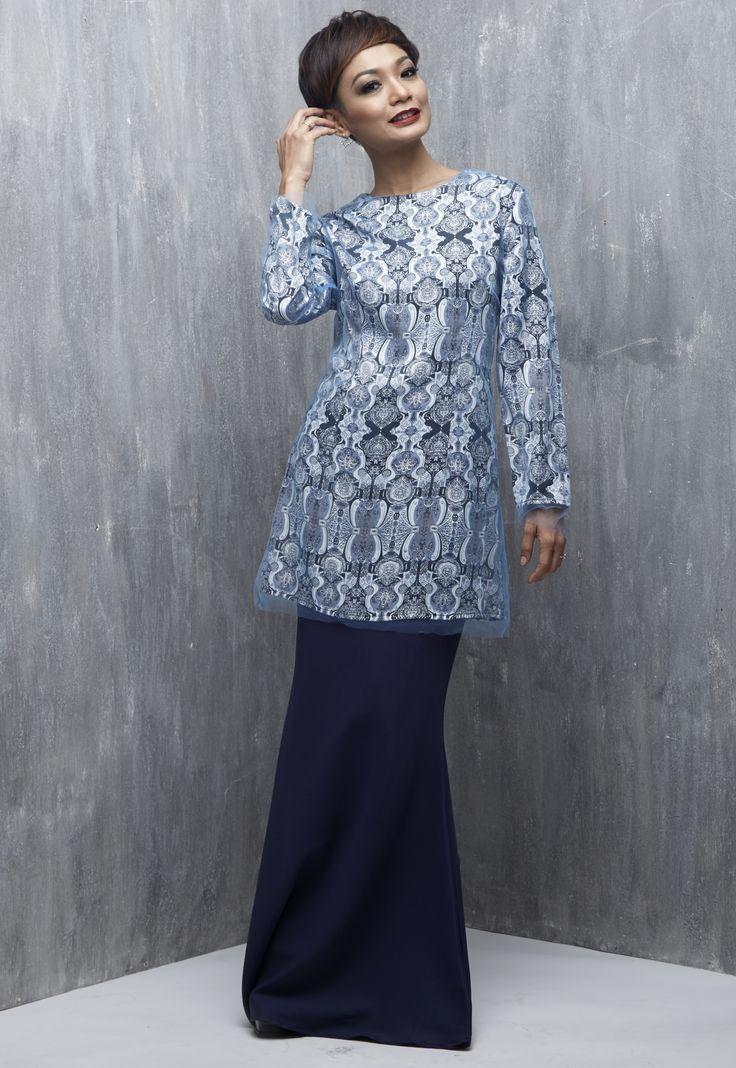 EMEL X ATILIA HARON - ALATUS - Modern Baju Kurung with Prints (Blue) This modern baju kurung is simple yet a beautiful piece together with the soft tulle over the print. Featuring scattered crystals on the prints. #emelxCLPTS #emelxAtiliaHaron #emelbymelindalooi #bajuraya #bajukurung #emel2016 #raya2016 #AtiliaHaron #print #tulle #crystals #moden #2016 #baju #kurung #baju #raya