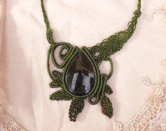 Collier macramé avec Pierre obsidienne dorée. Terres boisées. Bijoux de fantaisie. Bijoux de la forêt. Bijoux en macramé, bijoux tribaux. Bijoux terreux.
