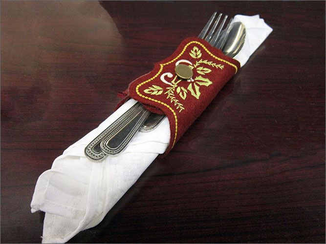 67 Best Images About Napkin Rings Menu Cards On: Best 25+ Menu Holders Ideas On Pinterest