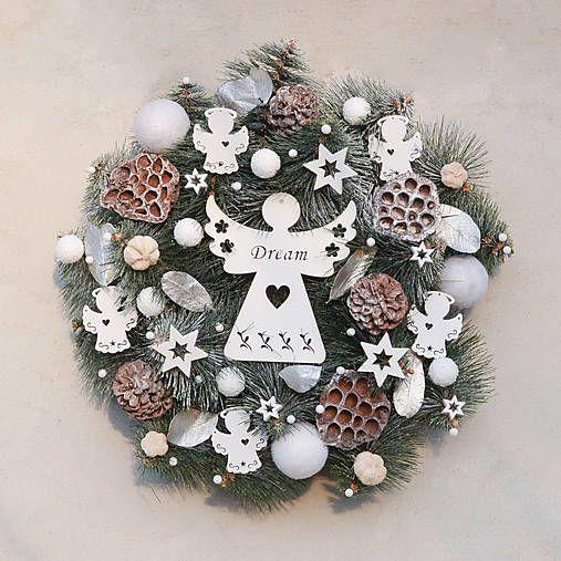 Hydrangea / Vianočný veniec na dvere s anjelom