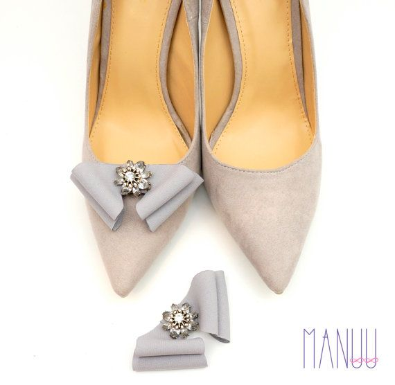 Gray shoe clips bow shoe clips Manuu elegant shoe by ManuuDesigns