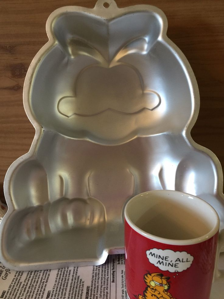 A personal favorite from my Etsy shop https://www.etsy.com/listing/262053765/garfield-wilton-cake-pan-cake-decorating