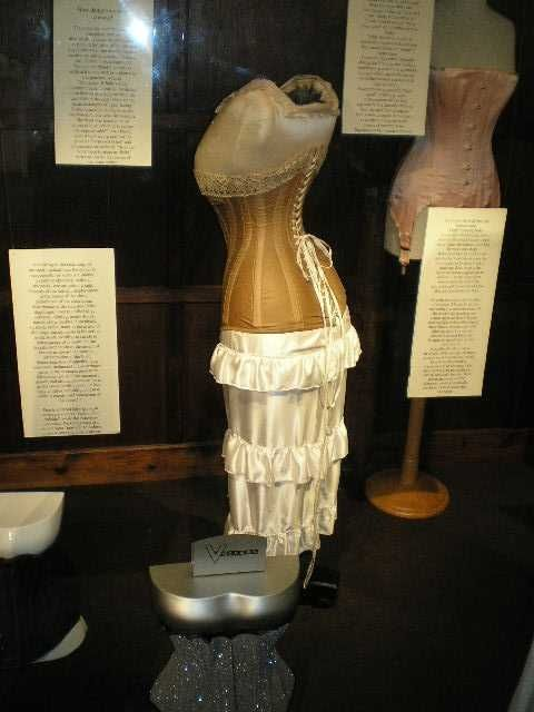 Historical Vollers Corset