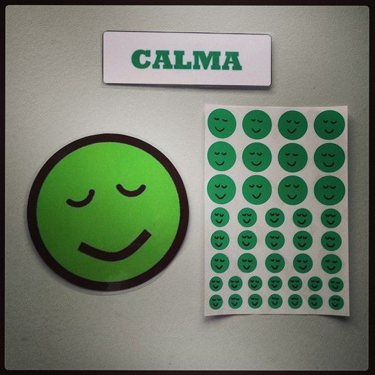 #Material #didáctico para trabajar las #emociones básicas con #pictogramas de #emoticonos. #Calma.