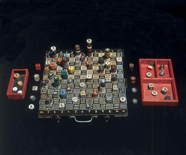Xul Solar, Pan ajedrez, ca. 1945, 40,6  x 40,6 x 2,5 cm. Colección Museo Xul Solar