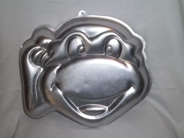 Character Cake Pans   ... Wilton TMNT Teenage Mutant Ninja Turtles Cake Pan 2105-4436 Face Mask