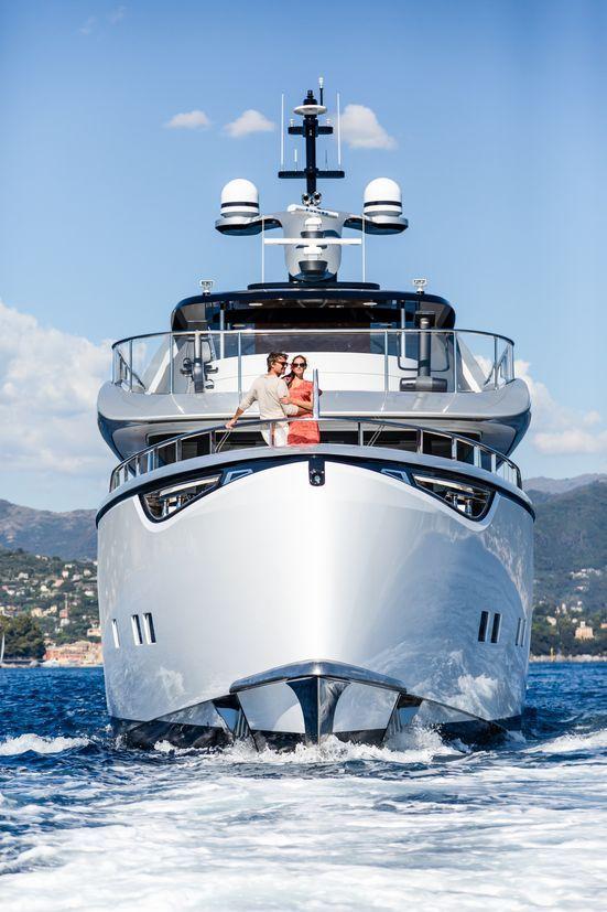 Jetsetter Dynamiq Yachts Bow