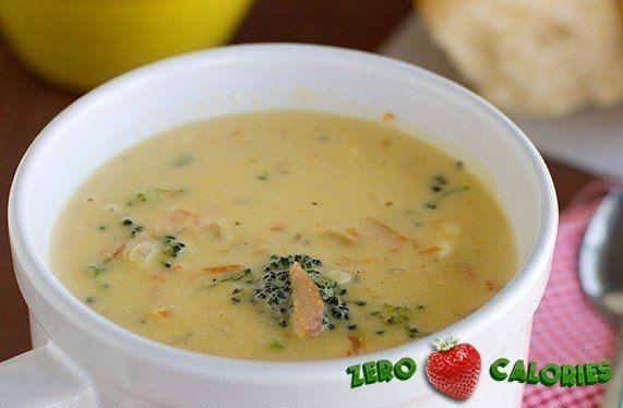 Сырный суп с брокколи  на 100грамм - 49.36 ккал, Б/Ж/У - 6.63/1.62/1.67  Ингредиенты: Куриное филе 400 г Картофель 2 шт. Морковь 1 шт. Сыр нежирный 180 г Бульон или вода 2 л Зелень по вкусу Лавровый лист, душистый перец горошком Соль, перец по вкусу После чего добавьте овощи и варите еще 10-15 минут. Выложите в суп сыр, хорошо размешайте, чтобы сыр полностью растворился. Добавьте соль и перец по вкусу. Мелко порубите зелень и всыпьте в суп. Размешайте и снимите с огня.