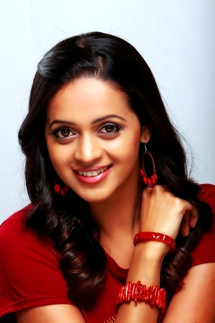 PHOTO PLUS GOLD - Big size image, Filim stills,South Actress wallpapers, Actress hq gallery: BHAVANA BEST AND CUTE LETEST CLOSE UP IMAGE