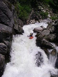About Kayaks..And Types of Kayaks   Kayaking for Beginners: Learn about the Best Kayaks for Beginners