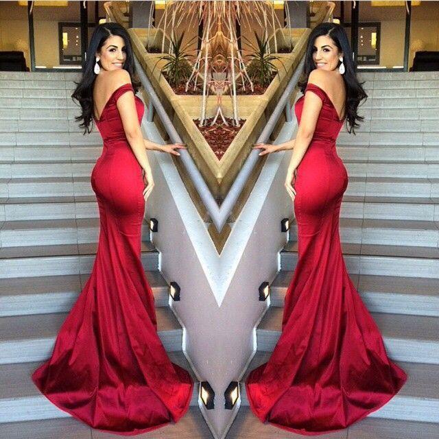 Escolhido! Gente eu estava ajudando a escolher o vestido de formatura da minha amiga, e vermelho era a cor que ela queria. Depois de dias procurando escolhemos o modelo perfeito para ela. Mas, como…