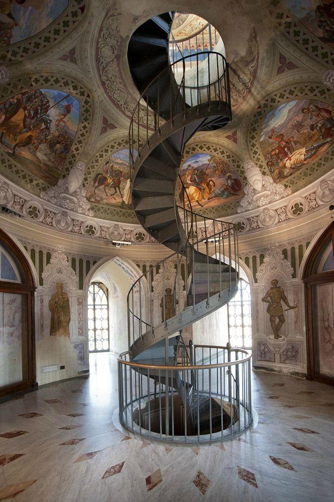 The Castle in Corigliano Calabro, Calabria, Italy. www.italianways.com/the-castle-in-corigliano-calabro-memory-and-beauty/