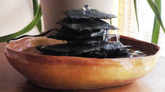 Fountains in feng shui feng shui that rocks pinterest for Water feature feng shui