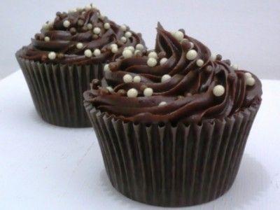 Cupcake de brigadeiro (recheado)