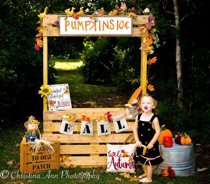 Halloween photoshoot, fall photography, pumpkin stand