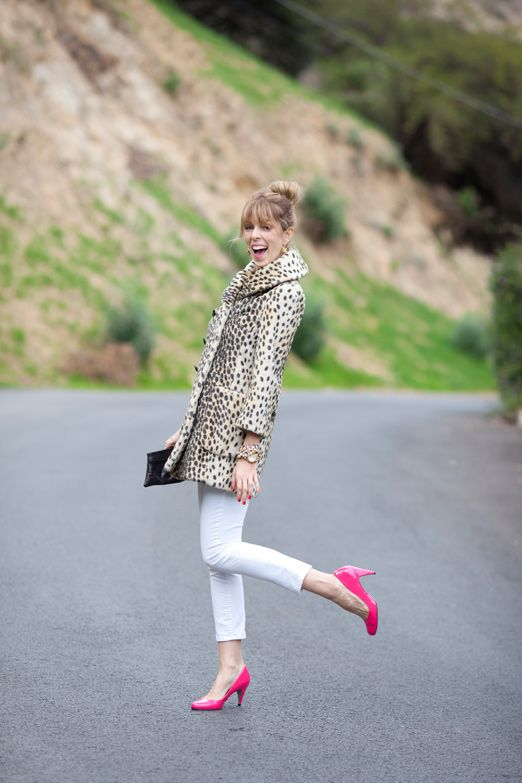 So fun.: Leopards Coats, Hot Pink Heels, Leopards Jackets, Tory Burch, White Pants, Leopards Prints, Pink Shoes, White Jeans, Ted Baker