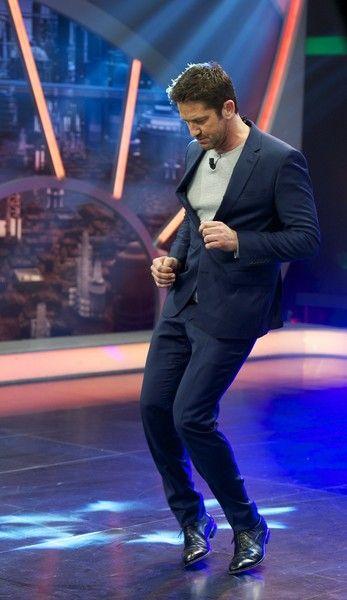 Gerard Butler Photos - Gerard Butler Attends 'El Hormiguero' Tv Show - Zimbio