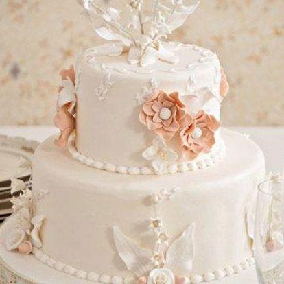 Beyaz Fırın - düğün ve nişan - söz ve nişan pastaları - müge çiçeği