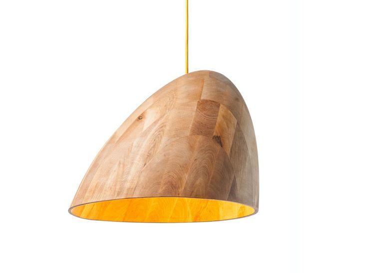 Duża lampa drewniana, wisząca. Wykonana ręcznie w polskiej pracowni. Ociepli każde wnętrze. 100% eko. http://gotowewnetrza.pl/sklep/lampa-wiszaca-bana/