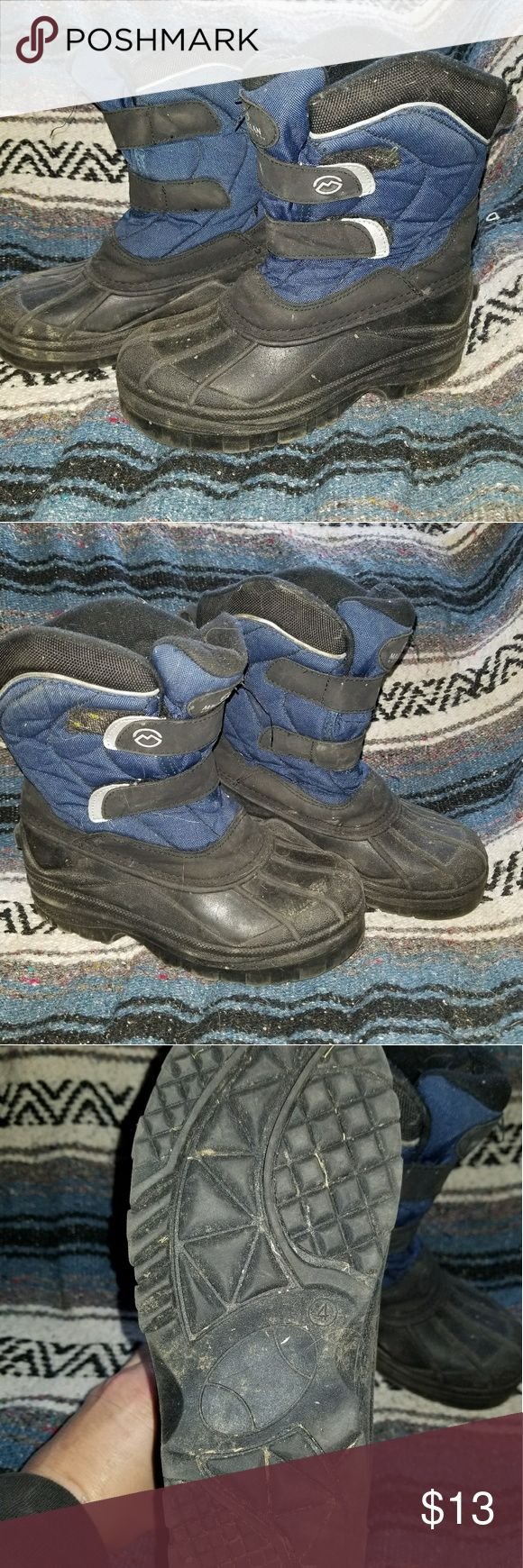 Boys size 4 thinsulate  boots Boys Size 4 thinsulate boots. Keep his feet warm and dry this winter. Good used condition. magellan outdoors Shoes Rain & Snow Boots