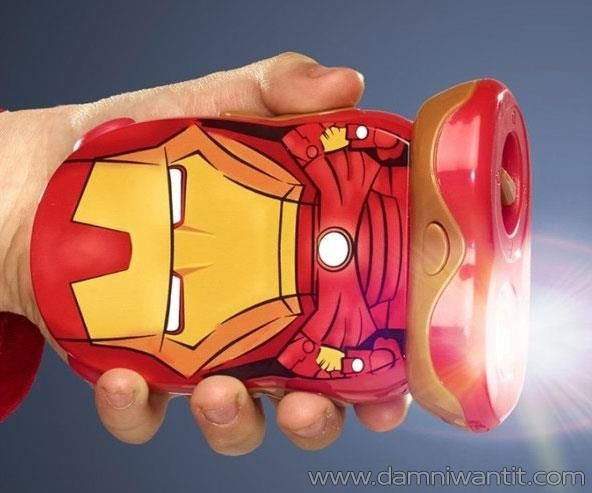 The Go Glow Iron Man Flashlight is much more than a simple flashlight. It has motion activation voice as well, so when anyone comes close to your room, it's activating itself shouting a warning in a disguised voice. Another cool feature it has is it tells you if it's been moved while you were away, by flashing a light. Also it has a voice recorder. Simply record a personal message and it will play by pressing the button or activate on the m ..
