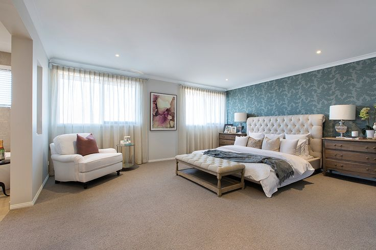 Master Bedroom Suite in the Plaza 44L with Champagne France World of Style