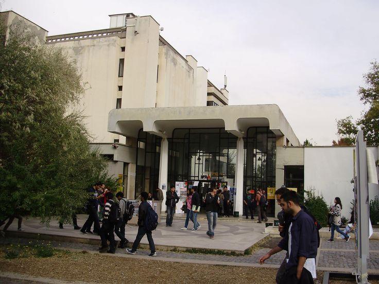Kütüphane/Library