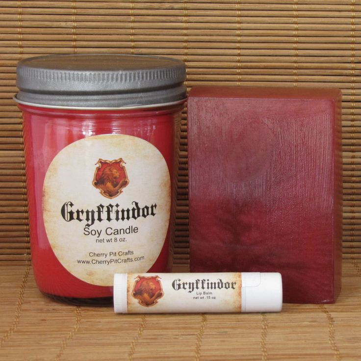 Harry Potter Gryffindor Gift Set - Soy Candle, Soap and Lip Balm