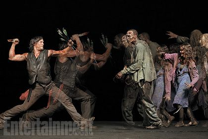 Представляем вашему вниманию несколько любопытных фотографий актеров из сериала «Ходячие мертвецы» (The Walking Dead). В фотосессии для журнала EW, посвященной скорому выходу пятого сезона зомби-драмы телеканала AMC, приняли участие Норман Ридус, Эндрю Линкольн, Стивен Юн, Лорен Коэн, Данаи Гурира и актеры, которым посчастливилось изображать «ходячих»...