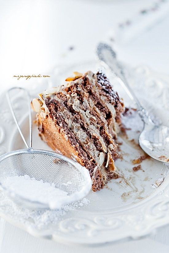 Almond - Coffee Meringue Cake