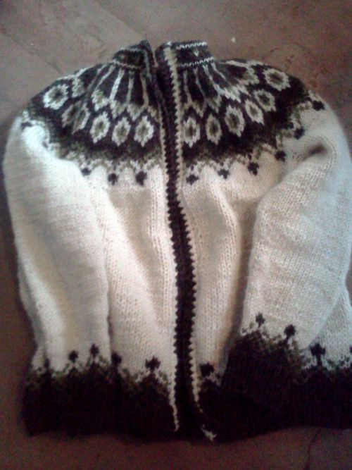 Lopapeysa - my favourite pattern - would love to have one knitted to me