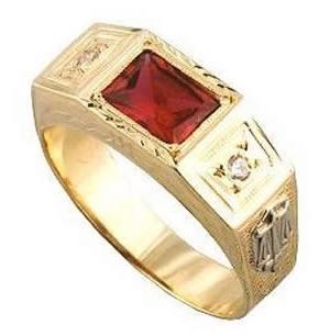Anel de formatura advogado em ouro 18k 750 Pedras: 1 Rubi e 2 diamantes Peso: 7 GRAMAS