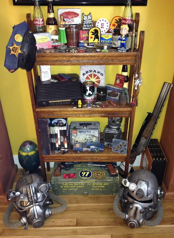 A redditor's Fallout collection http://www.reddit.com/r/Fallout/comments/1t8tuu/this_is_my_pile_of_fallout_props_there_are_many/ #fallout #kurttasche
