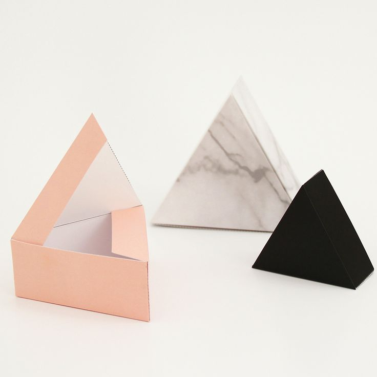 """DIY giftboxes """"triangle""""Set of 3, 3 sizes in the colors """"marble / black / soft pink""""to cut out, fold and glue!folding sheets in DIN A4folded boxes are 6, 8 and 10 cm6.90 € (incl. 19 % VAT)Shipping Germany 2.00 €Shipping EU/INT. 3.90 € when you buy several items we adjust the shipping costs accordingly BEZAHLUNG AUCH PER BANKÜBERWEISUNG, bitte fragt per Mail an. Payment via bank-account possible, please write us an email."""