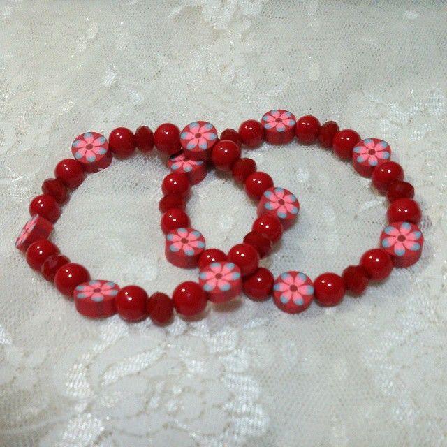 vintage style month! So 70s! Rp. 80ooo (satu set)  Beads plastik, kristal semi ceko. instagram (drbjewelry), atau SMS 0898 595 0316.  #gelang #bracelet #merah #red #perhiasan #jewelry #forsell #jual #jualan #jualbeli #jualansis #jualankaka #woman #wanita #wanitakarir #ibuibu #cewek #accessories #aksesoris #shippingworldwide #handmadeaccessories #fashion #fashionista #handmade #handmadebracelet #statementbracelet