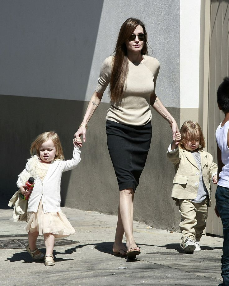 Brad Pitt Shiloh Jolie-Pitt Photos: Brad and Angelina Show Off the Kids in NOLA 4