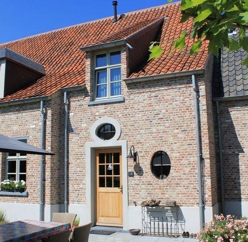 Kempische Bouwmaterialen - Oude Klampsteen rijnvorm met Boomse pannen
