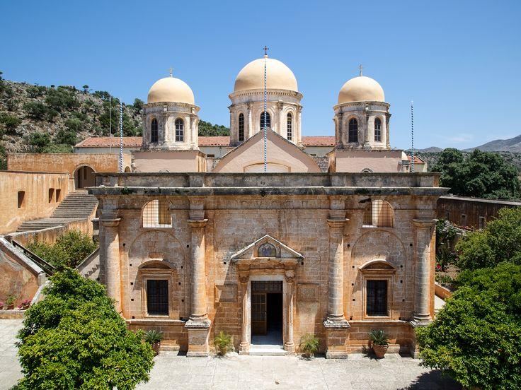 Agia Triada, is a #Venetian church that it has been built in the 17th century.