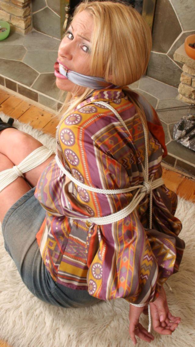 Pin by Nikey1958 on Af | Head scarf, Damsel in distress, Damsel