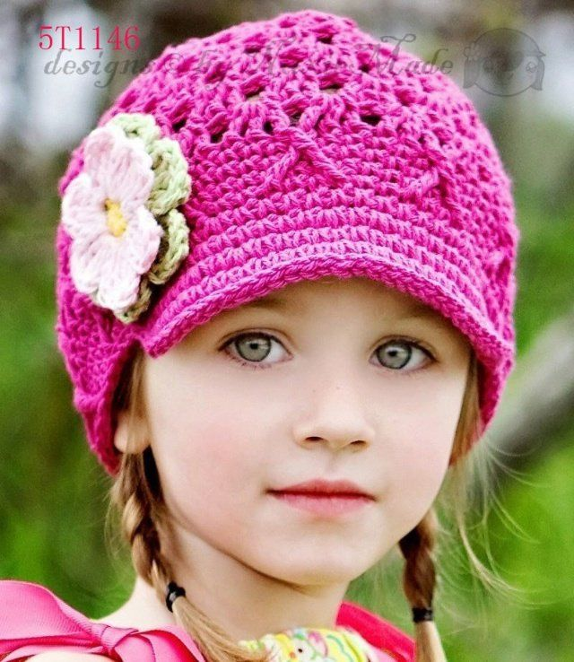 Such a cute toddler/small child hat! Love the brim ...