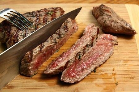 5 menu veloci per chi va di fretta ma vuole mangiare bene e di gusto anche a pranzo!! Tagliata di vitello con insalatina croccante £12,00  #ristorante #torino #pranzo #menu