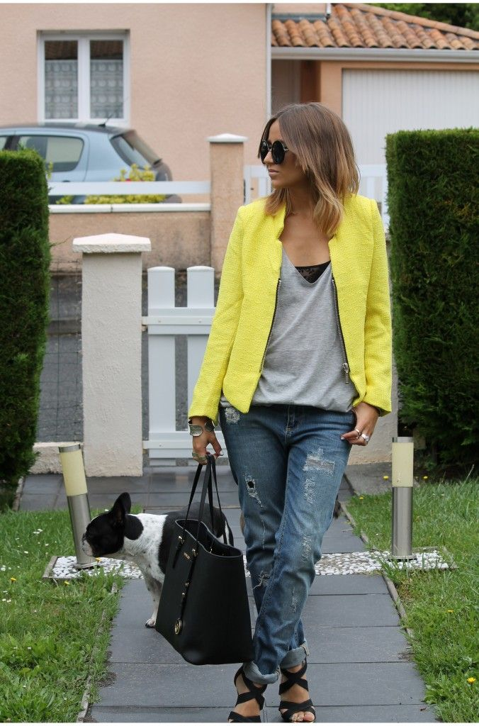 Ma veste jaune – yellow jacket                                                                                                                                                                                 Plus