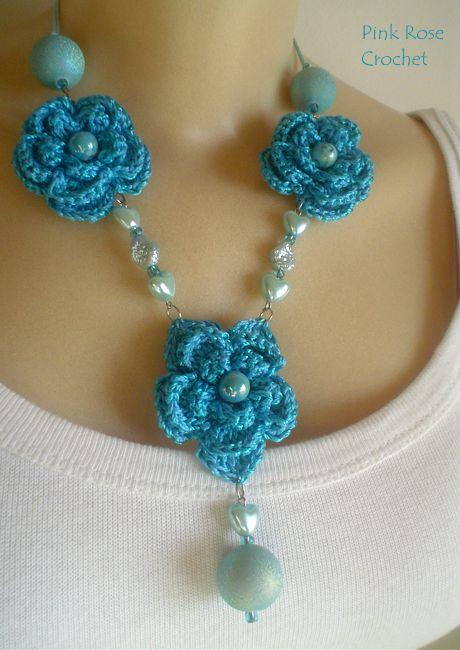 Tudo bem?    Este modelo de Colar Biju  com Flores  de Crochê  não é novidade,  mas eu resolvi e fiz este hoje.