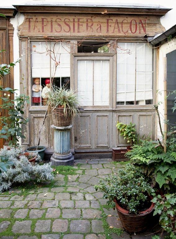 les 313 meilleures images du tableau devantures boutiques anciennes sur pinterest fa ades de. Black Bedroom Furniture Sets. Home Design Ideas
