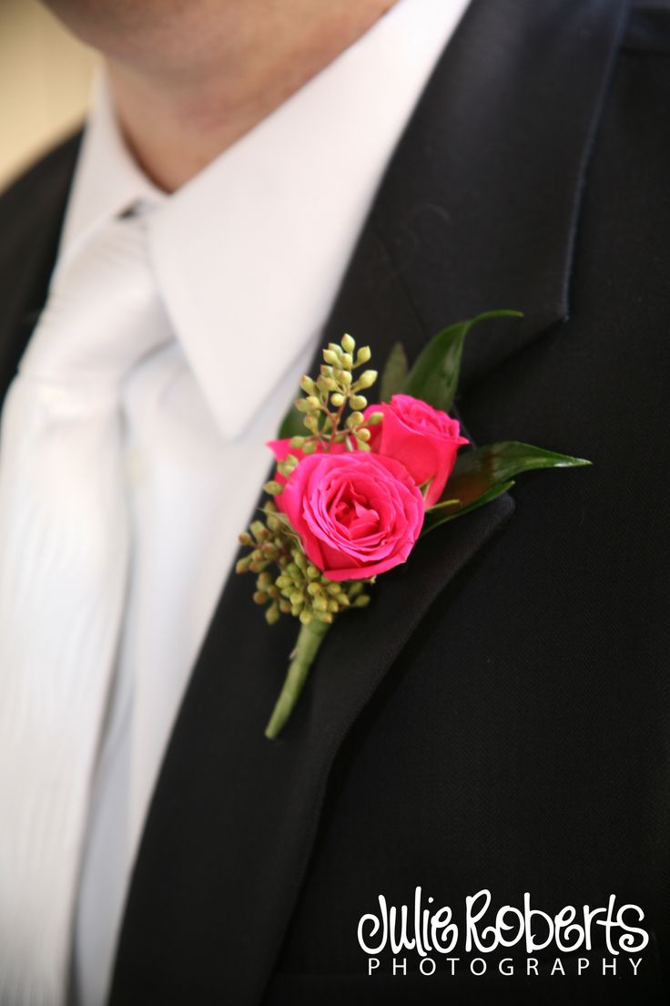 Hot pink wedding flowers - groom - spray roses - sweetheart roses - boutonniere - Groomsmen flowers - Knoxville Tn Wedding Florist - Lisa Foster Floral Design - www.lisafosterdesign.com