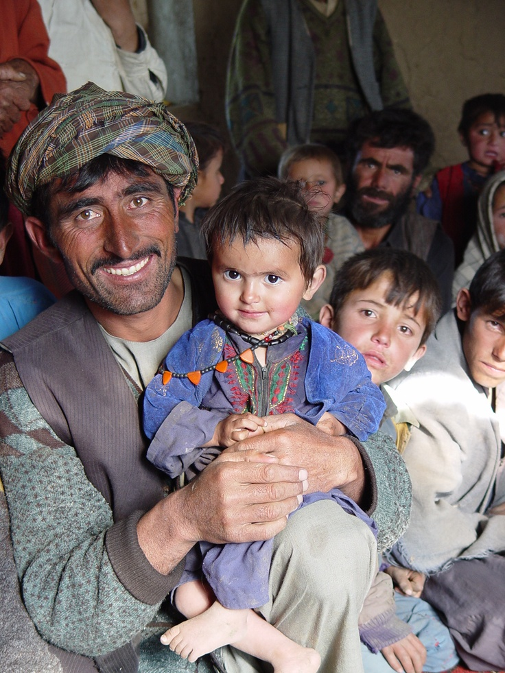 Picture taken in Afghanistan by Jozsef Marian / www.bibleinmylang... / Pray for Afghan people