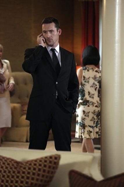 Pictures & Photos of Barry Sloane - IMDb