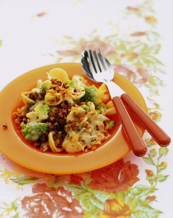 Recept Orecchiette met bloemkool, broccoli, ansjovis en pepertjes